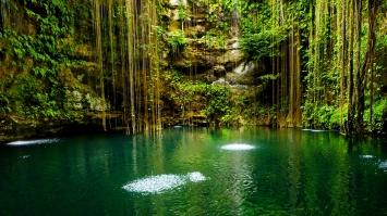 2012, Mexico --- Mexico, Yucatan, Scenic lake --- Image by © Tetra Images/Corbis